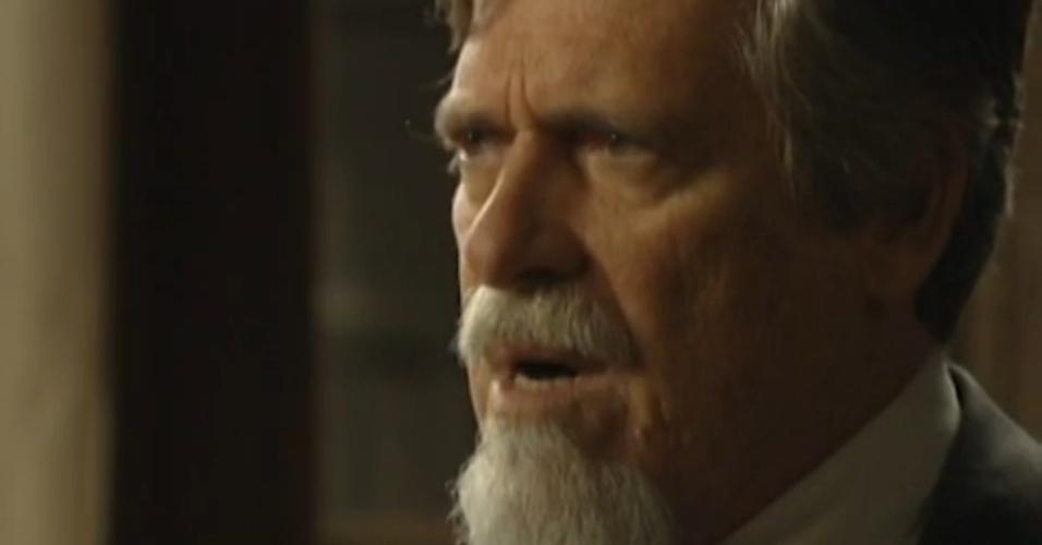 """Em """"Joia Rara"""", Ernest diz que Manfred nunca será um Hauser"""