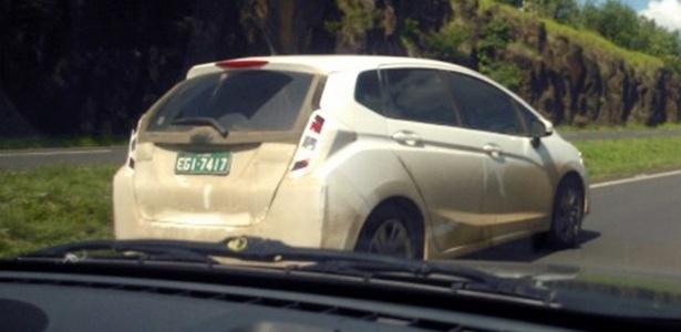 Nova geração do monovolume foi flagrada sob camuflagem pesada em estrada no interior de SP - Paulo Falcade/UOL