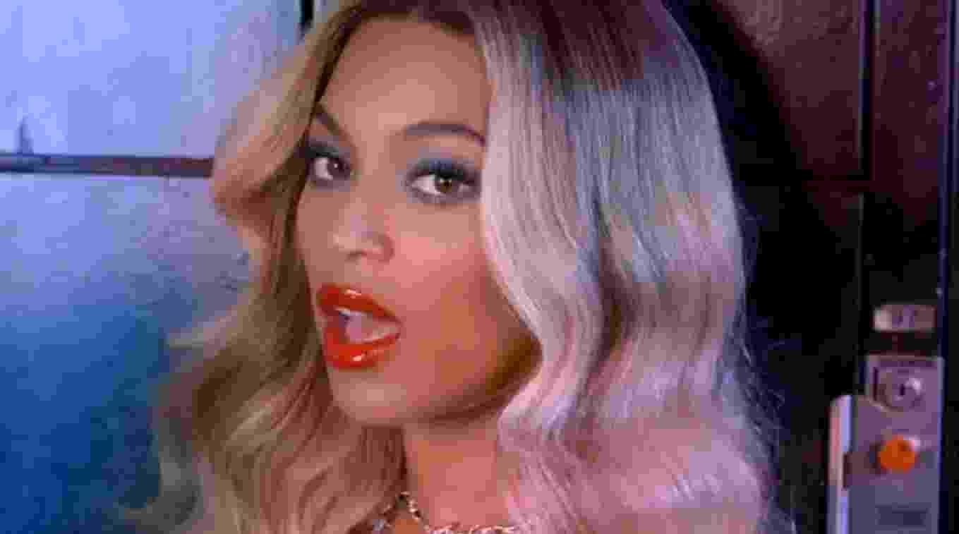"""Cantora Beyoncé no videoclipe """"Blow"""" - Reprodução/Youtube"""