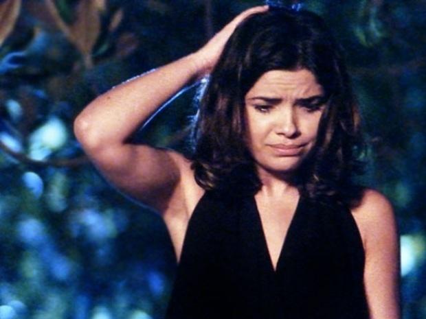 """Em """"Amor à Vida"""", Aline e Ninho enterram Mariah no quintal de casa"""