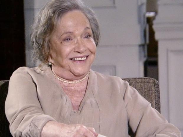 """Em """"Amor à Vida"""", Bernarda aconselha Pilar a seguir seu coração"""