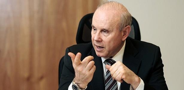 Ministro da Fazenda Guido Mantega se reúne com Anfavea na terça para chegar à decisão - Ruy Baron/Folhapress