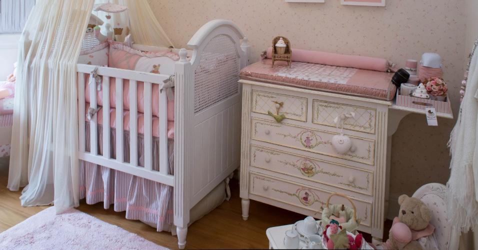 Ursinhas fazem um piquenique feliz são o tema desse quarto de bebê da Mama Art (www.mamart.com.br)