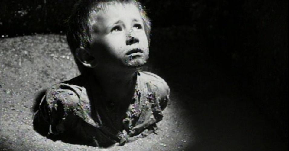 À ESPERA DE UM FRACASSO - Spielberg esperava um fracasso comercial de seu filme histórico em preto e branco e de orçamento de apenas US$ 22 milhões. Ele chegou a brincar em entrevistas que seu filme só ia alimentar a ideia de que filmes do Holocausto não faziam sucesso, mas o resultado não poderia ser mais diferente, com o longa arrecadando mais de US$ 320 milhões nos cinemas