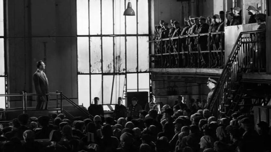 """Cena de """"A Lista de Schindler"""" - Reprodução"""