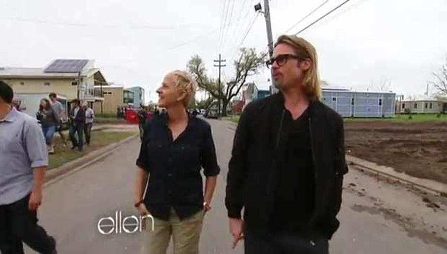 Brad Pitt e Ellen DeGeneres visitam Nova Orleans