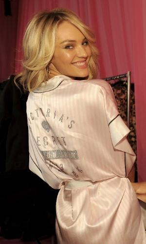 A modelo sul-africana Candice Swanepoel nos bastidores do Victoria's Secret Fashion Show, que será exibido no canl a cabo TNT