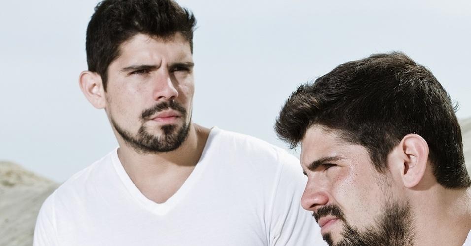 """Tiago e Diego Homci, que interpretam João José e José João em """"Além do Horizonte"""", fizeram vários trabalhos como modelos antes de se tornarem atores"""