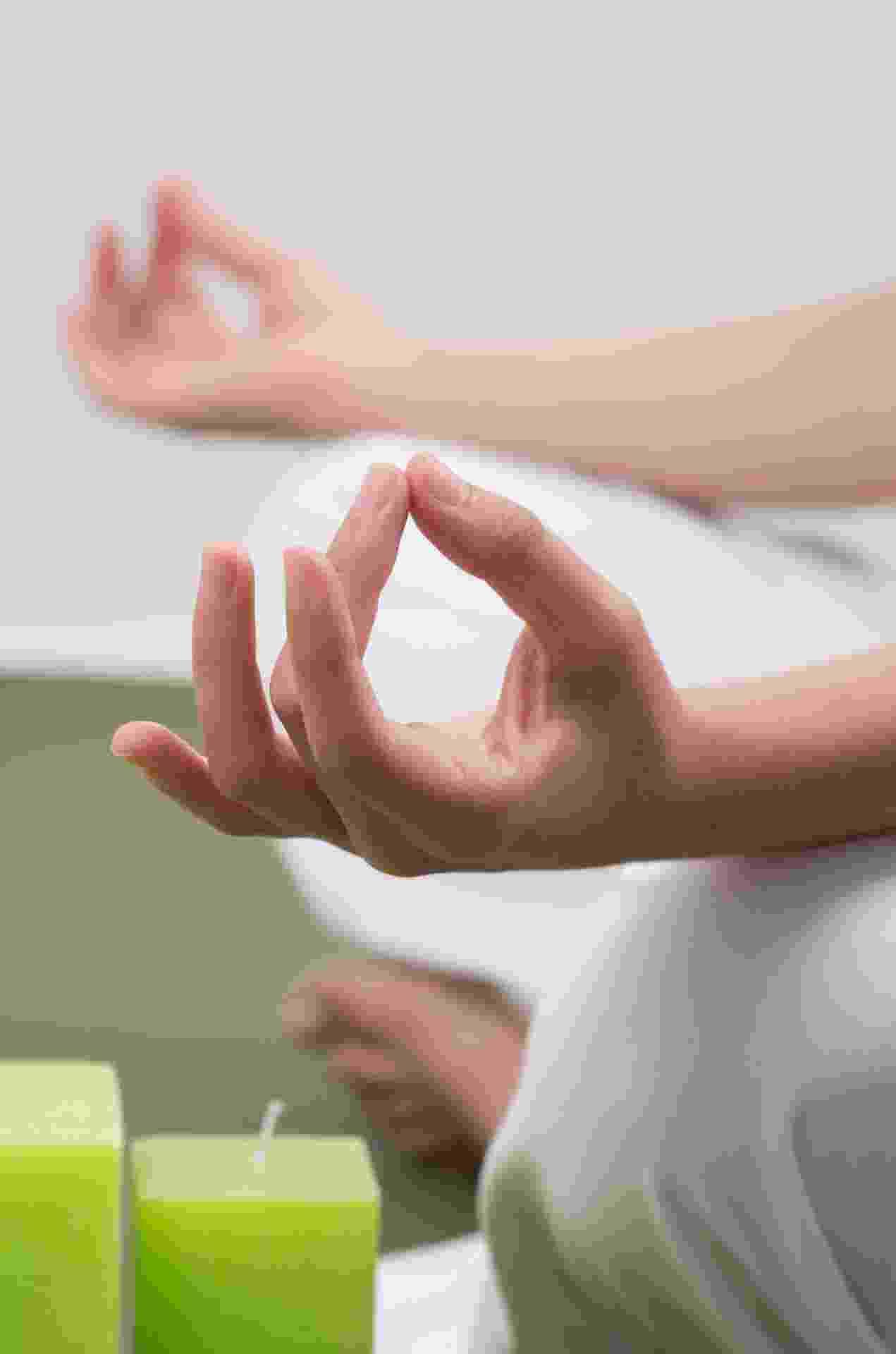 Para a a radiestesia, a energia da pessoa interfere na casa e vice-versa. Por isso, para energizar o espaço onde mora, é preciso também cuidar da própria energia I Fonte: Titi Vidal, radiestesista, astróloga e taróloga (www.titividal.com.br) - Getty Images