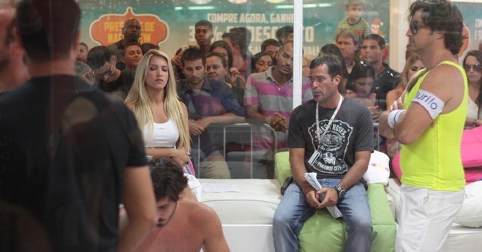 """20.12.2013-  Dani Vieira e Emilio Orciollo Neto gravam em Casa de Vidro com Tatá Werneck para """"Amor à Vida"""""""