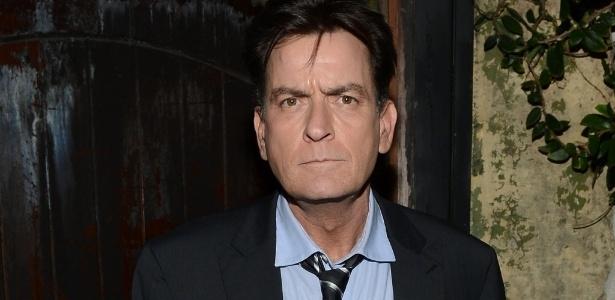 O ator Charlie Sheen está sendo investigado pela polícia