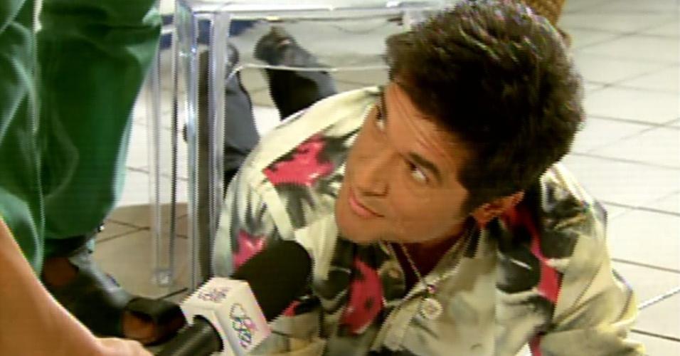 O repórter Felipe Sure acompanhou os técnicos na divertida avaliação, que fez Daniel sentar debaixo da cadeira