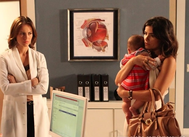 Paloma descobre que filho de Aline está sendo maltratado no capítulo que vai ao no dia 20 de dezembro