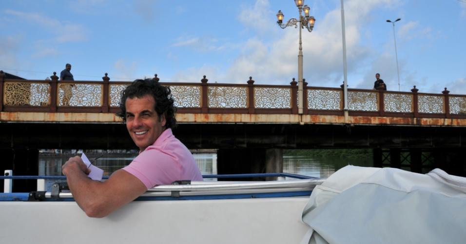 Álvaro Garnero mostra explora o Rio Capibaribe, localizado em Recife (CE)