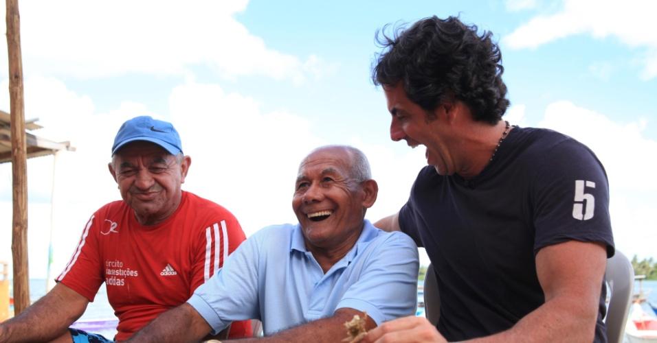 """Em nova temporada do programa """"50 por 1"""", Álvaro Garnero conversa com moradores de Piacabucu, no Alagoas"""