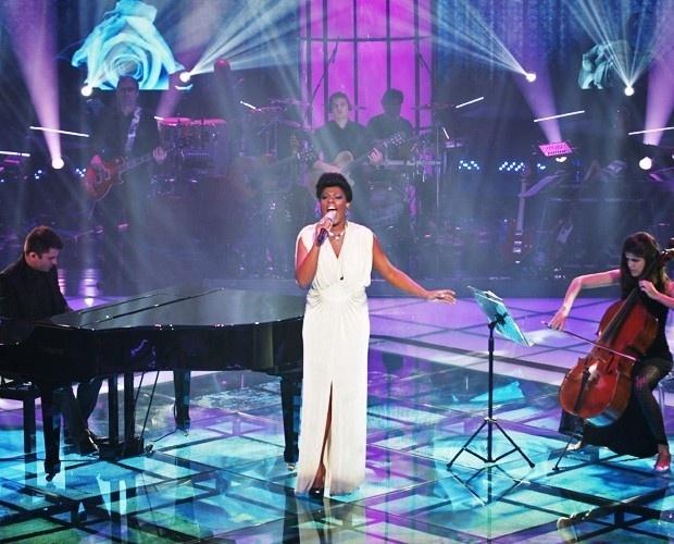 Cecília Militão faz apresentação romântica na semifinal do