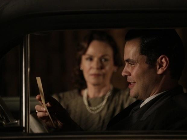 Manfred recebe carta-testemunho que prova que Ernest é o assassino de Catarina