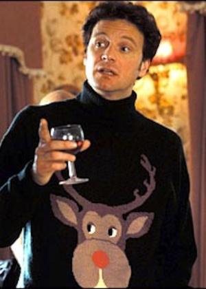 """Suéter de Mr. Darcy, do filme """"O Diário de Bridget Jones"""", tem uma rena com nariz vermelho em referência ao Rudolph, do Papai Noel - Reprodução"""