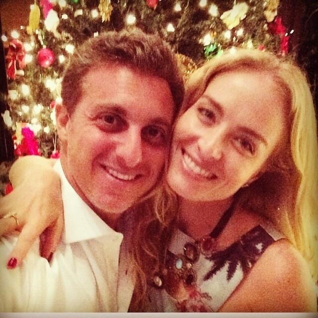 24.dez.2013 - Luciano Huck e Angélica publicaram uma mensagem de Natal