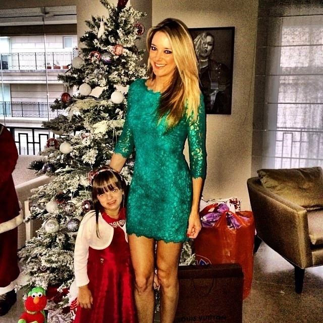25.dez.2013 - Ticiane Pinheiro passa o Natal com a filha Rafaela Justus