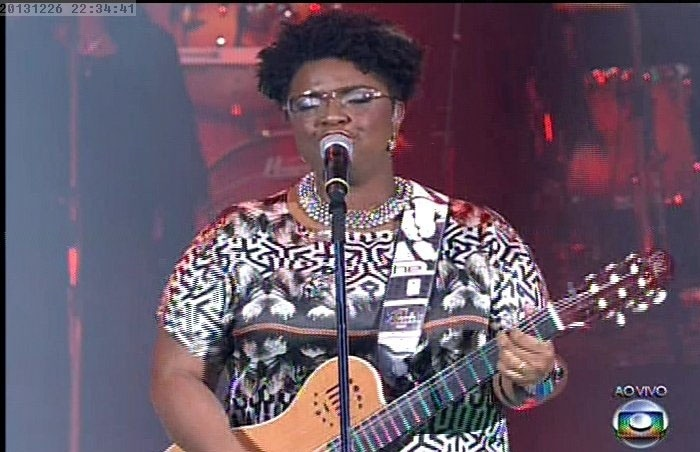 26.dez.13 -  Ellen Oléria, que venceu a primeira edição do programa, canta
