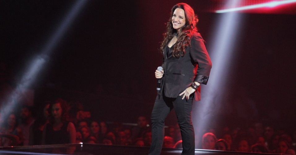 "26.dez.13 - Ana Carolina canta ""Pole Dance"" na final do programa The Voice Brasil"
