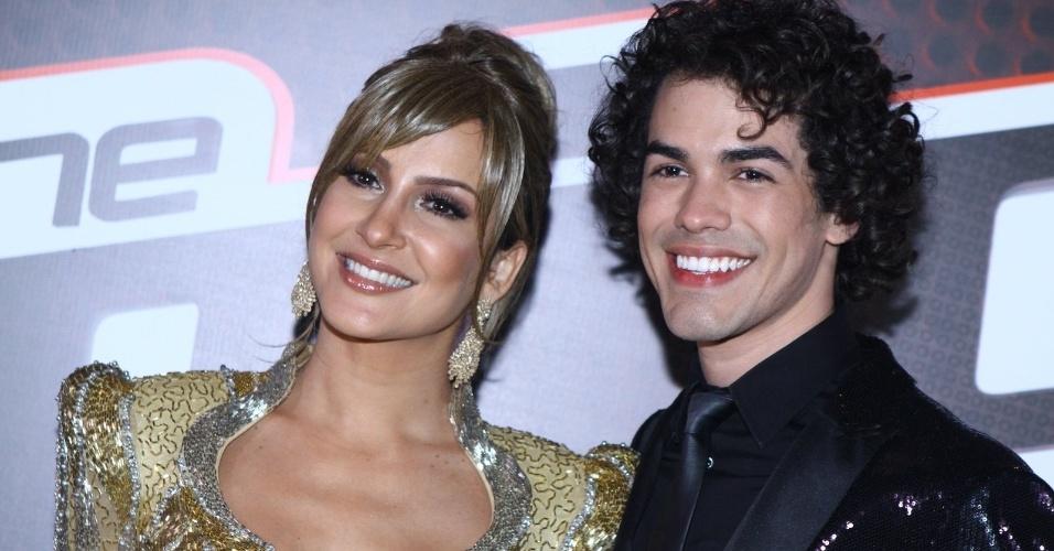 26.dez.13 -  Claudia Leitte e Sam Alves após o resultado da segunda edição do The Voice Brasil
