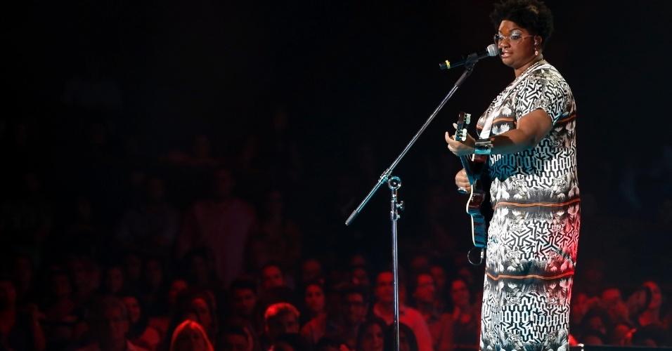 """26.dez.13 -  Ellen Oléria, que venceu a primeira edição do programa, canta """"Testando"""""""