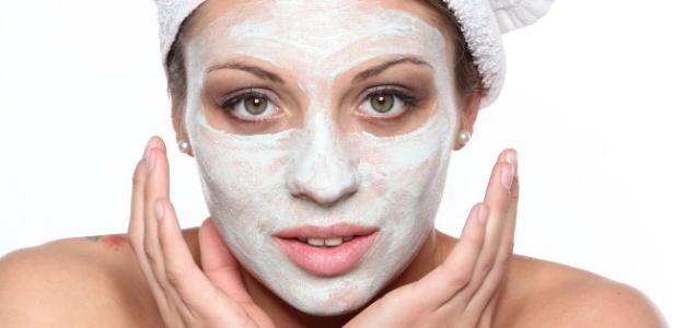Ideais para serem usadas quando se deseja um efeito rápido, as máscaras de beleza possuem ativos concentrados, porém com resultados temporários - Thinkstock