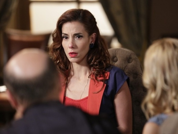 Dália se sente pressionada e revela ao juiz que armou flagrante