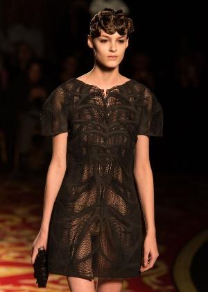 Vestido criado por Iris Van Herpen com a tecnologia da impressão 3D - PR Newswire