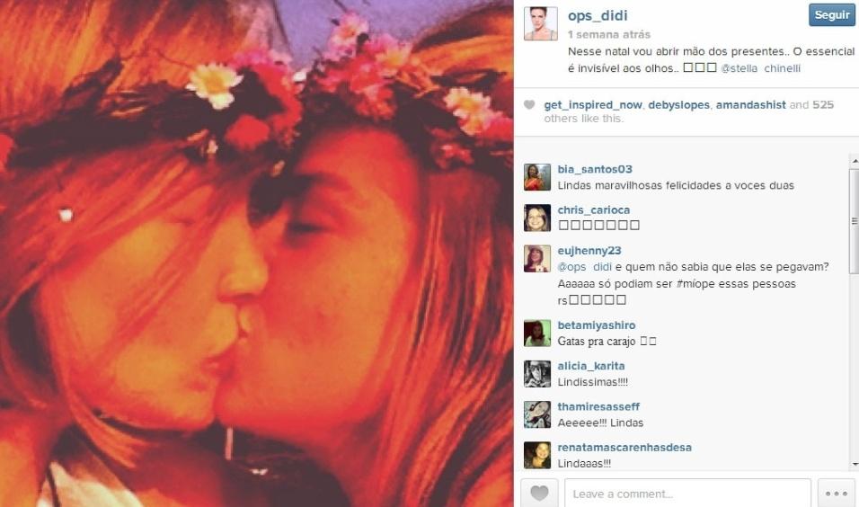 A ex-BBB Diana Balsini e a publicitária Stella Chinelli assumiram seu relacionamento com fotos e mensagens românticas nas redes sociais