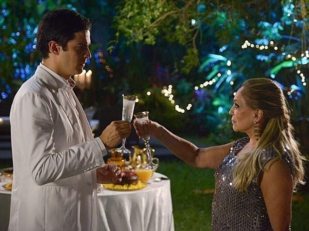 Amor à Vida: Pilar faz um pedido para Félix na noite de Ano Novo