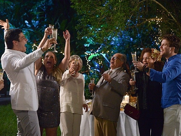 Ano novo na mansão de Pilar, em