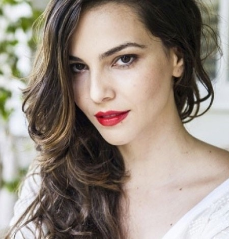 Tainá Müller alonga cabelos para viver lésbica na próxima novela das nove