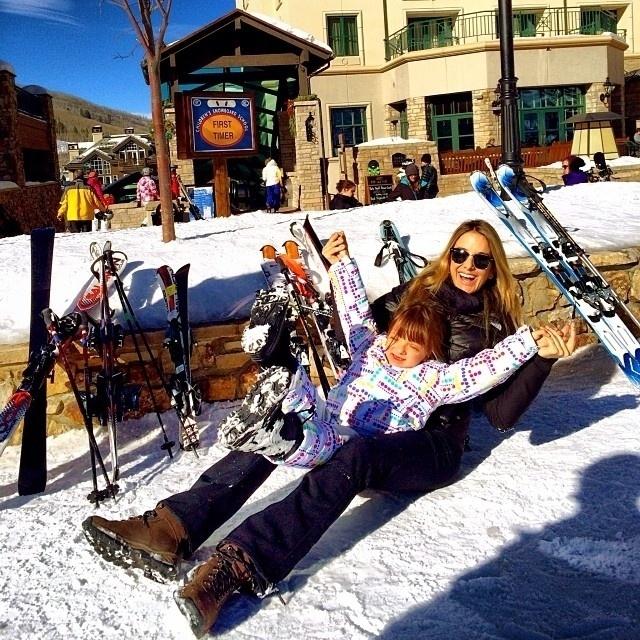3.jan.2014 - De férias nos Estados Unidos, Ticiane Pinheiro divulgou uma foto onde aparece se divertindo com a filha, Rafa Justus.
