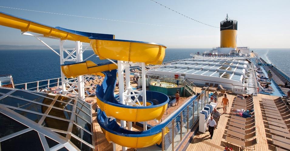 Com capacidade para 3.780 hóspedes, o Pacifica é um dos navios da Costa que visitam o Brasil em 2014