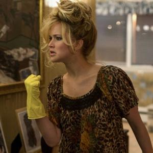 """Jennifer Lawrence em cena de """"Trapaça"""""""