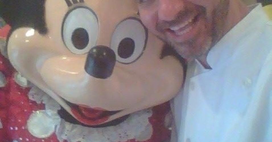 Dono do Buffet Infantil Superperalta, Vagner tem 37 anos, mora em São Paulo, no bairro de Pirituba, e é solteiro