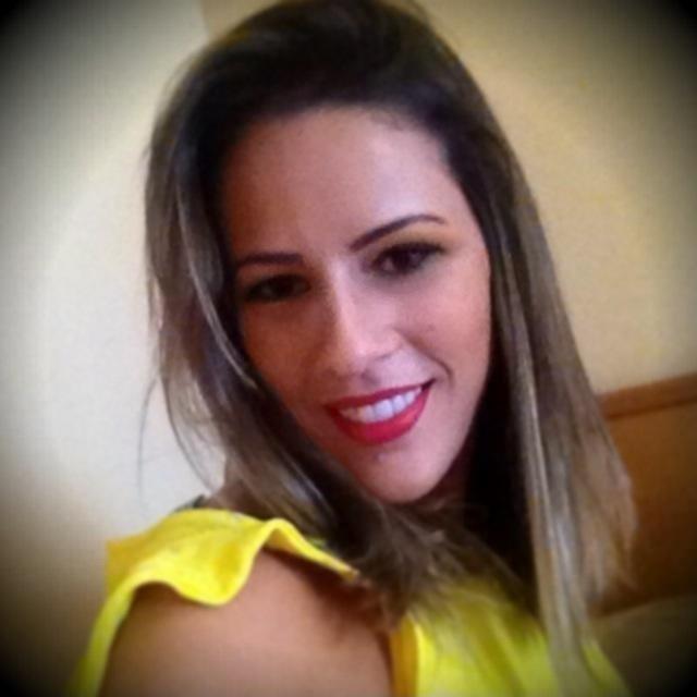 Princy Cavalcante é corretora de imóveis em Goiânia