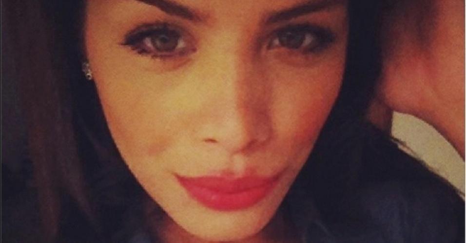 Solteira, 24 anos, natural do Rio Grande do Sul, Franciele Almeida já tentou ser bailarina do Faustão, estampou algumas campanhas publicitárias e é amiga da ex-BBB Marien e da ex-fazendeira Angelis