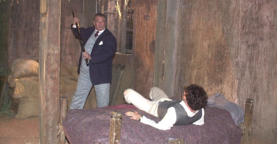 """2003 - Paulo Goulart e Ranieri Gonzalez em cena da novela """"Esperança"""""""