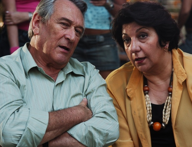 """2005 - Paulo Goulart e Jandira Martini em cena da novela """"América"""""""