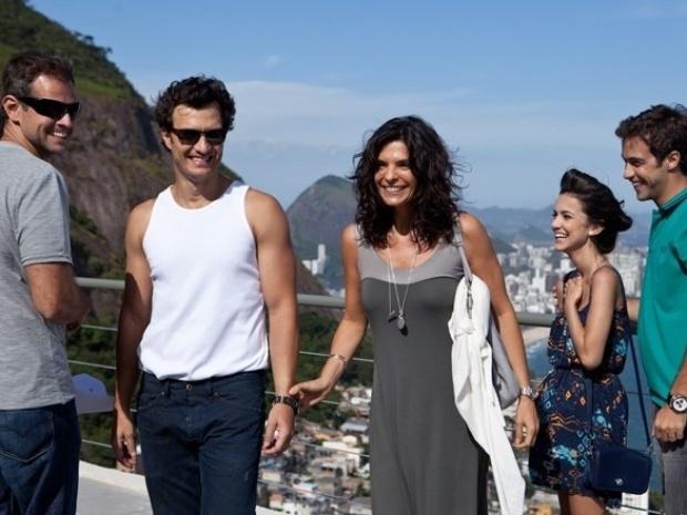 7.jan.2014 - Gabriel Braga Nunes, Helena Ranaldi, Manu Gavassi e Ronny Kriwat gravam cenas de