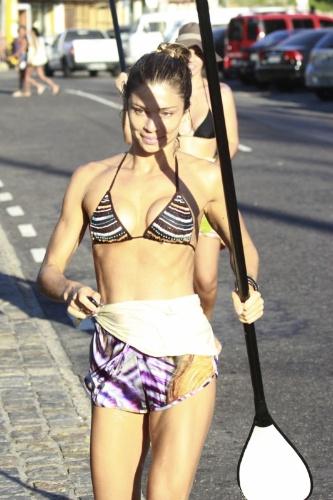 8.jan.2014 - Grazi Massafera pareceu não se incomodar com o paparazzo