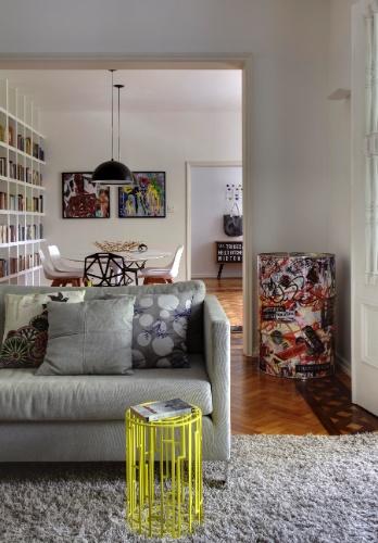 Sala De Estar Na Cor Amarela ~ de metal com pintura amarela, pontua com cor vibrante a sala de estar