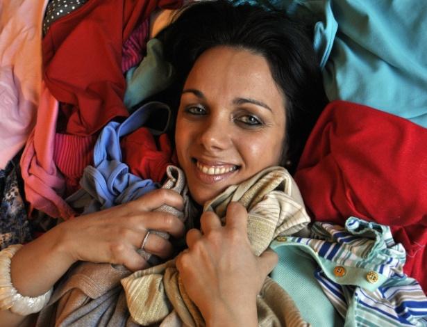 Juliana Reis decidiu se livrar da bagunça para se irritar menos ao se vestir para ir trabalhar - Claudia Silveira/UOL