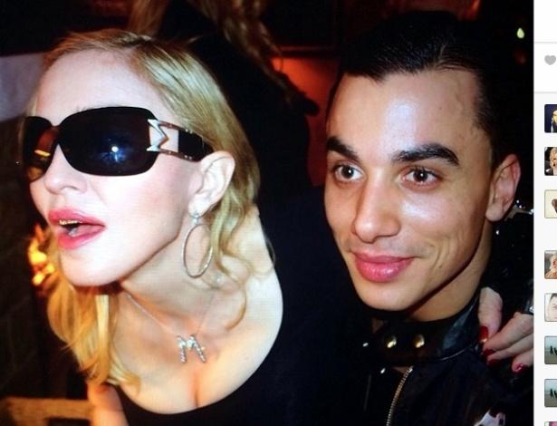 Madonna e o novo namorado em uma festa de ano novo