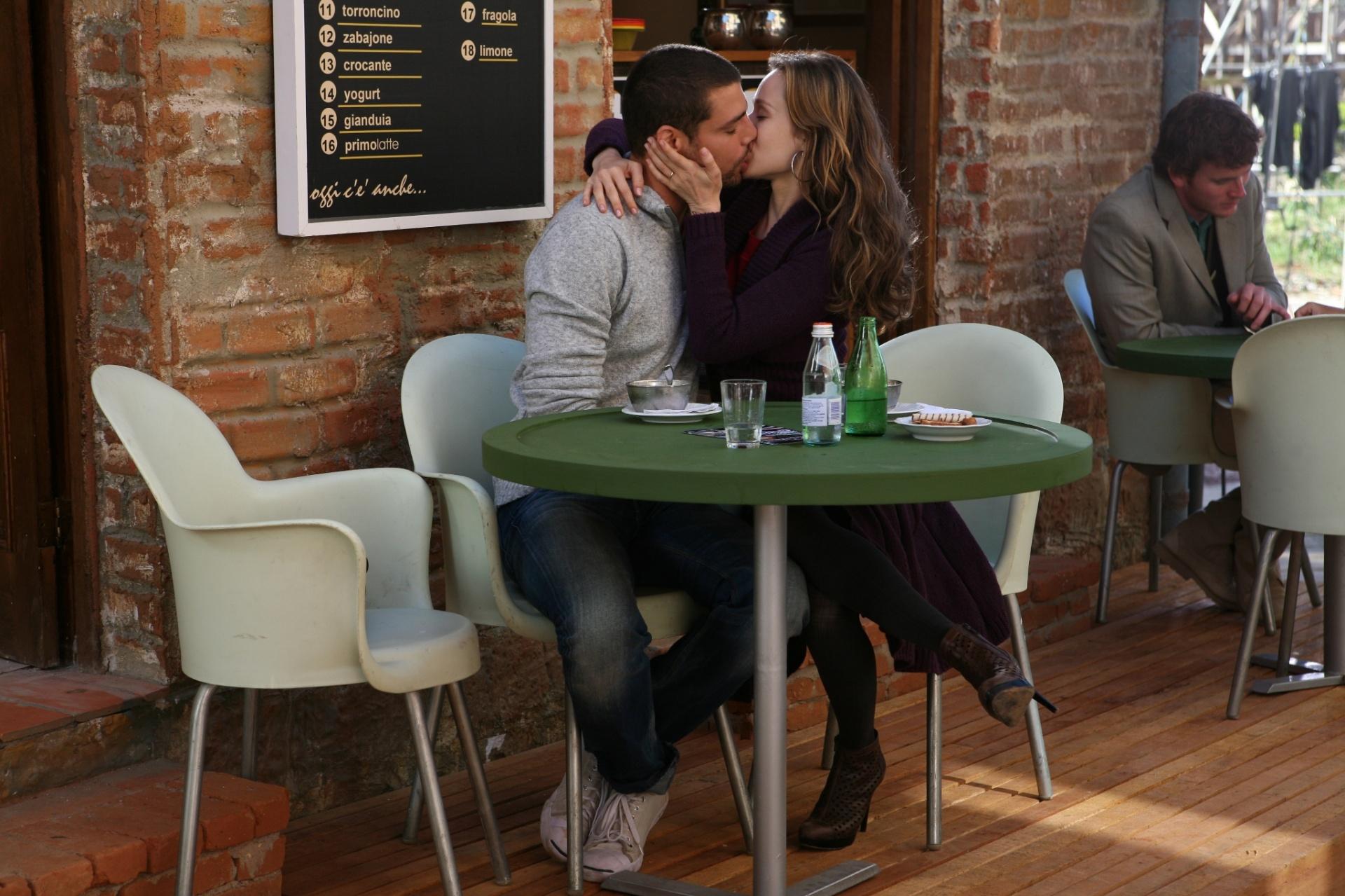 Mas Danilo acabou por se envolver amorosamente com a antagonista da história, a inescrupulosa Clara, papel vivido por Mariana Ximenes
