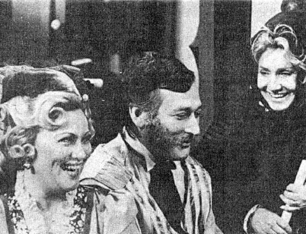 Paulo Goulart com Nicete Bruno e Leonor Bruno em cena de uma telenovela da TV Tupi
